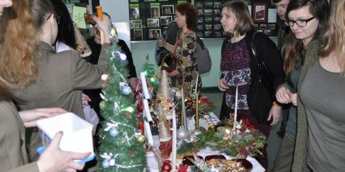 """2015-12-14 Kiermasz charytatywny """"Podziel się świąteczną radością"""""""