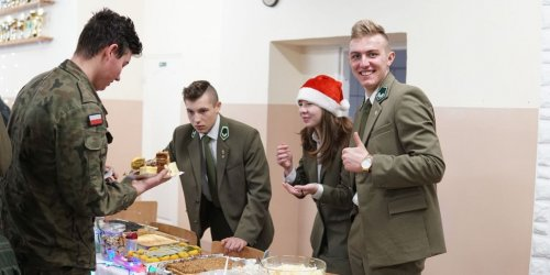 """17-12-2018 Kiermasz """"Podziel się świąteczną radością"""""""